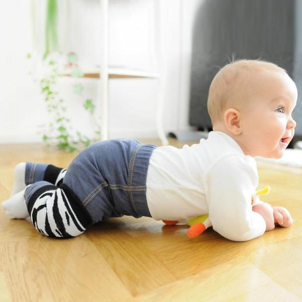Что должен уметь ребенок до 1 года. Карта развития по месяцам: вес и рост, навыки