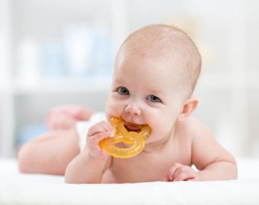 Режутся зубы у ребенка. Симптомы, как помочь, что делать, чем можно обезболить. Какая температура, когда режутся верхние и нижние