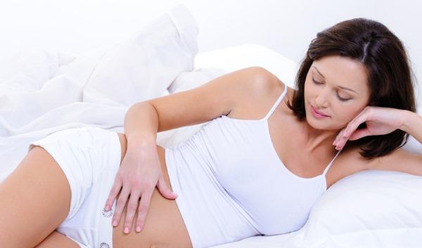 Боли внизу живота при беременности на ранних сроках: бывают ли после эко, ночью. Ноющие, периодические, тянущие ощущения, как при месячных. Причины и лечение