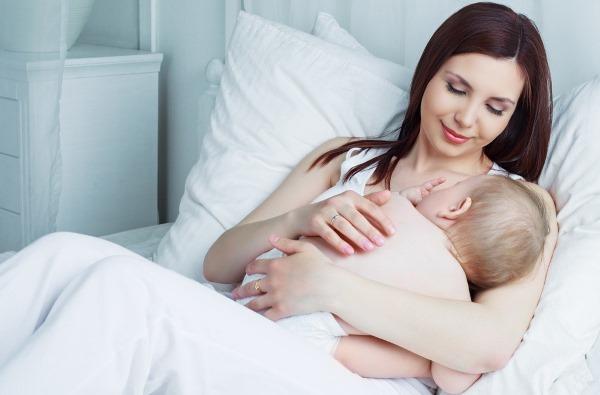 Как правильно кормить грудью: подготовка груди, продукты в меню кормящей. Что делать, если грудь болит. Количество потребляемого молока