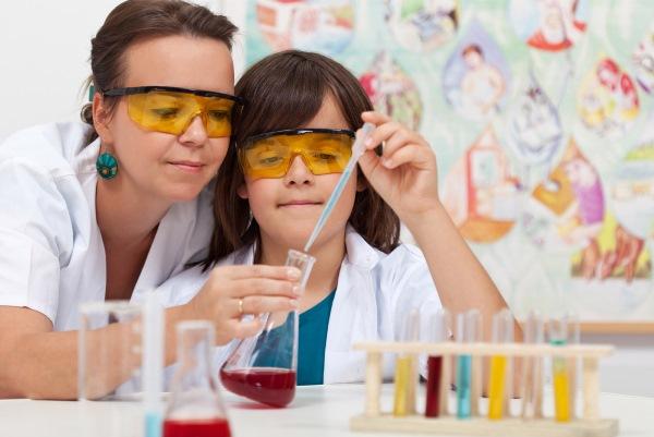 Химические опыты для детей в домашних условиях. Наборы для школьников: Вулкан, Chemistry, Светофор