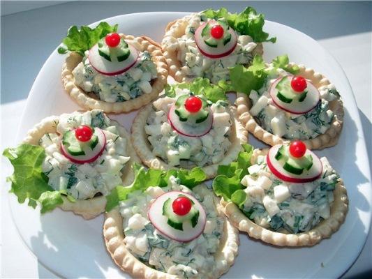Что приготовить на День рождения ребенку на стол. Меню, праздничные мясные, горячие блюда, салаты. Рецепты пошагово