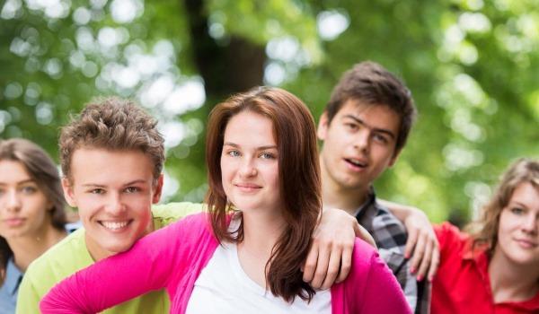 Подростковый возраст. Особенности, проблемы, кризис, признаки у ребенка. Психология личности девочек, мальчиков. Что делать родителям