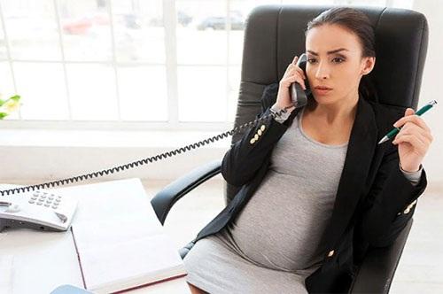 Больничный по беременности и родам: расчет в 2020. Сколько дней длится, как оплачивается, облагается ли НДФЛ, когда выплачивается. Образец, дополнительный лист