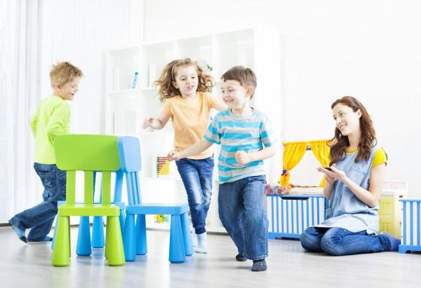 День рождения 4 года девочке. Меню детского стола, что подарить ребенку, как отметить дома, украсить комнату, сценарий