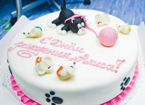 Что подарить ребенку на 1 год мальчику, девочке на День рождения, идеи празднования