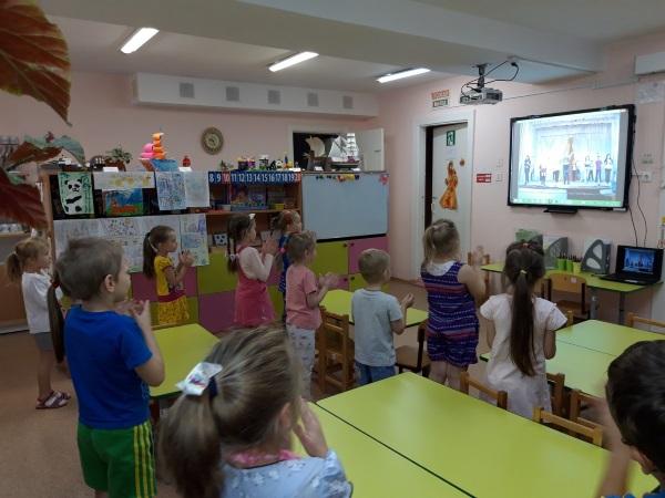 Музыкальные физминутки для детей с движениями, дошкольникам 3-4-6-7 лет, 1 класса