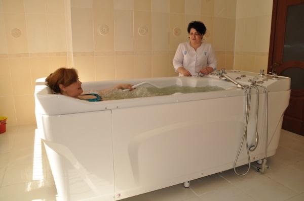 Нарзанные ванны. Показания и противопоказания для женщин, беременных, детей. Отзывы врачей