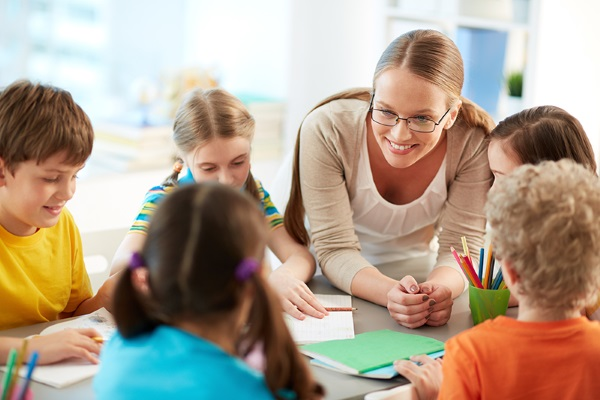 Организационный момент на уроке в начальной школе, занятии в детском саду. Интересные примеры в стихах