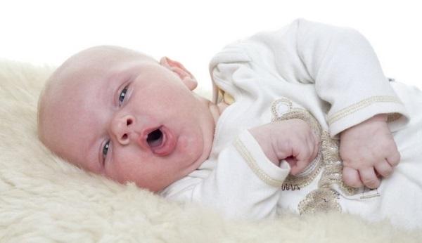 Как лечить затяжной насморк у ребенка. Народные средства, Мирамистин