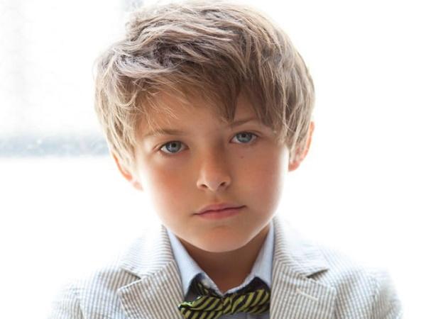 Модные прически для мальчика 10-14 лет. Фото с длинной челкой