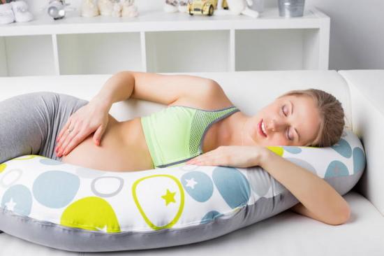 Как расшевелить ребенка в животе при беременности. Первое шевеление, как считать, норма