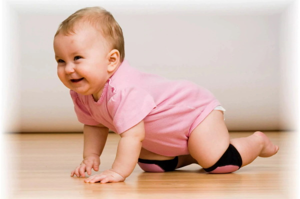 Как научить ребенка ползать в 5-9 месяцев на четвереньках, коленках, по-пластунски