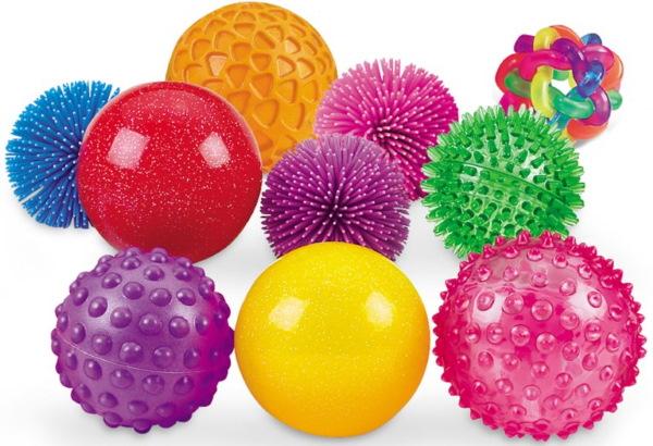 Мячик для массажа новорожденного. Как называется, где купить, как и когда делать